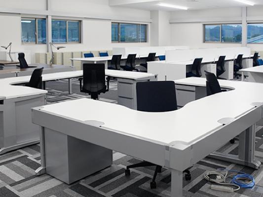 オフィス新築に伴うオフィス家具納入